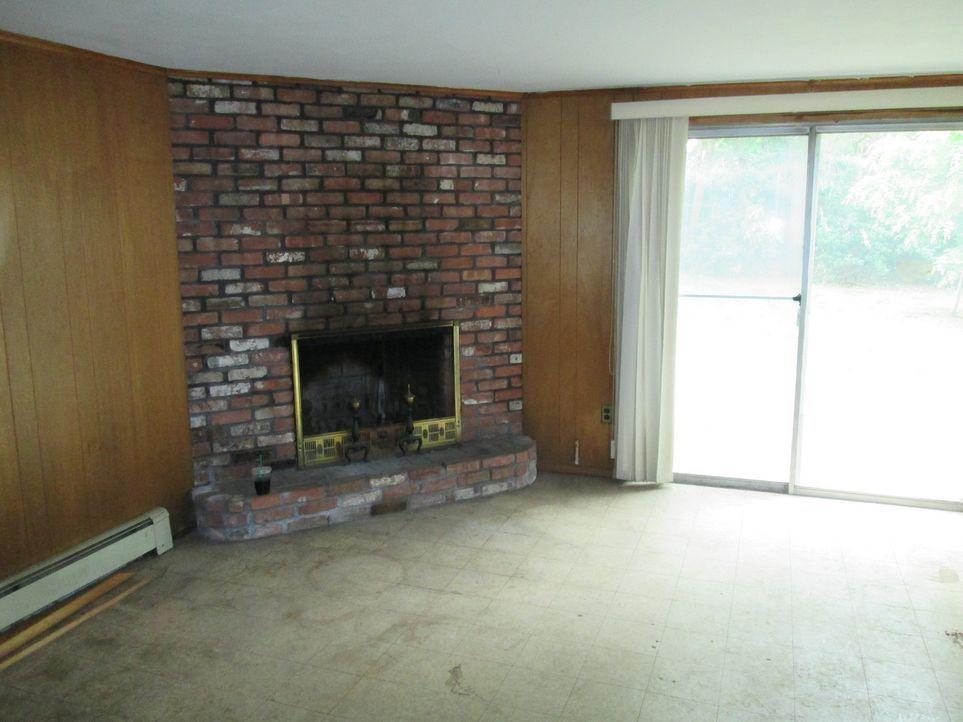 Werden die Renovierungsanfänger Chrissy und Eric das heruntergekommene Haus in einen Goldschatz verwandeln können? - Bildquelle: 2014, DIY Network's/Scripps Network's, LLC.