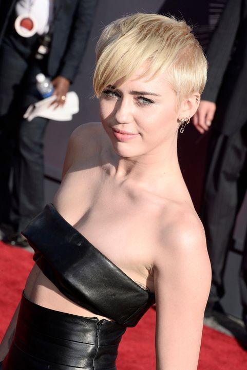 Miley- Cyrus-14-08-25-dpa - Bildquelle: dpa