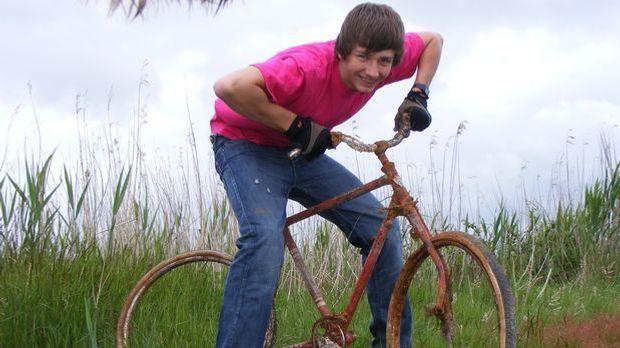 Teenager Jugendlicher Junge Fahrrad_Pixabay.com