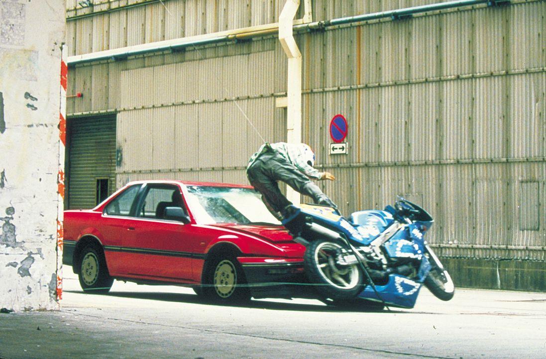 Auf den Straßen Hongkongs entbrennt ein mörderischer Drogenkrieg ... - Bildquelle: 2003 Sony Pictures Television International. All Rights Reserved.