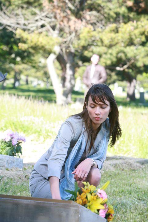 Regelmäßig besucht die 28-jährige Anwältin Jenny (Lexa Doig) das Grab ihrer Freundin Andrea, die im Alter von 13 von einem Serienkiller ermordet wur...