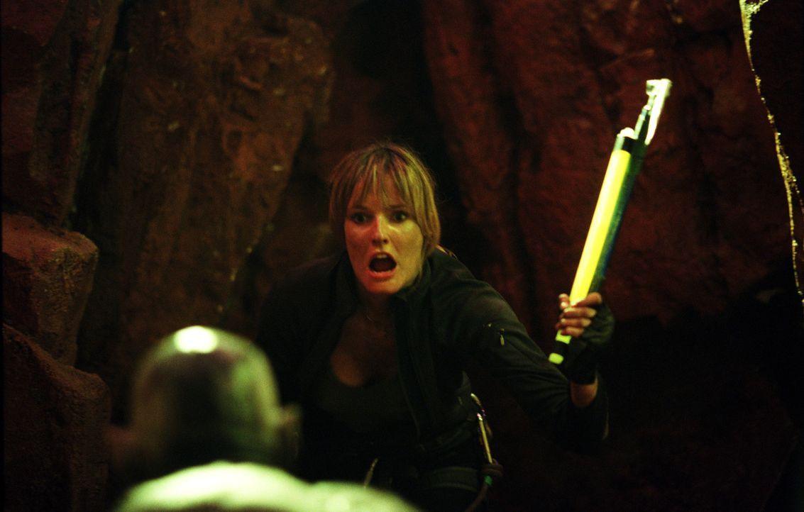 Bemerkt zu spät, in welcher Gefahr sie schwebt: Sarah (Shauna MacDOnald) ... - Bildquelle: Square One Entertainment