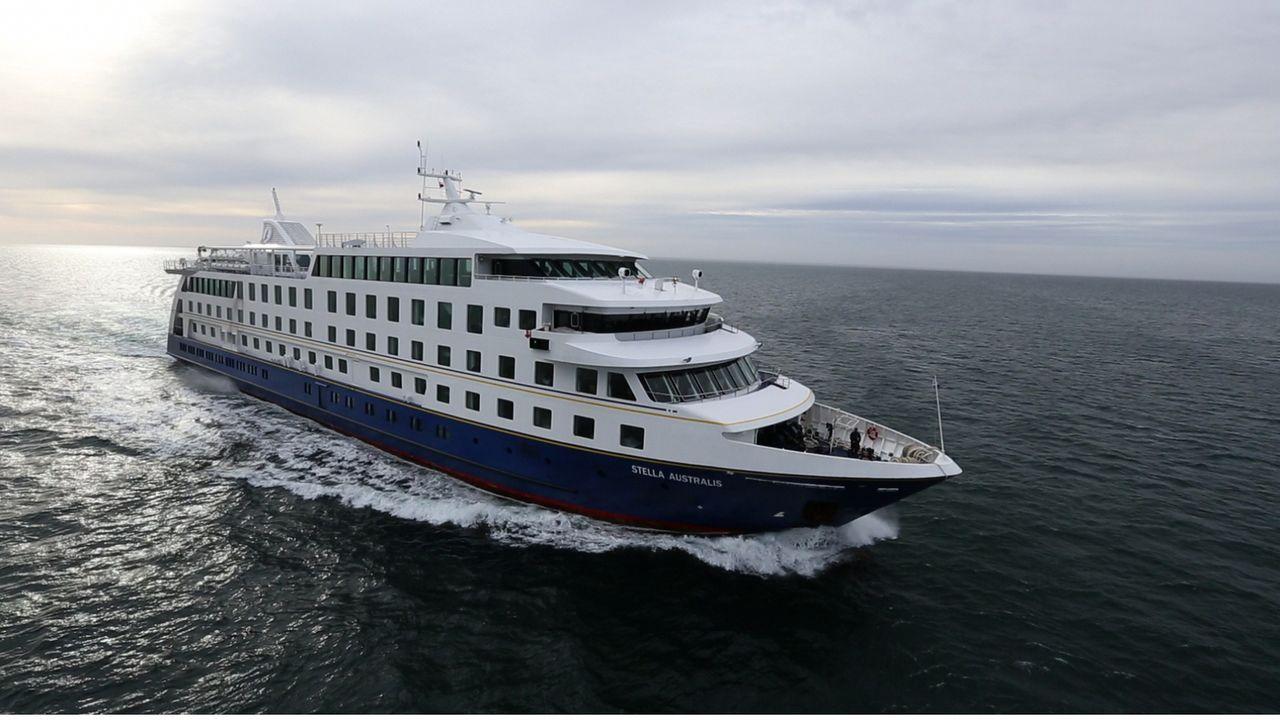 Viele Kreuzfahrtlinien bieten Reisen zu den Wasserstraßen in Südchile, aber nur ein Schiff - die Stella Australis - wurde gebaut, rein um durch die... - Bildquelle: Exploration Production Inc.