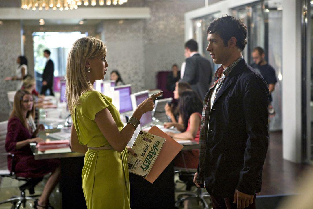 Wären sie nicht das perfekte Paar? Ella (Katie Cassidy, l.) und Jonah (Michael Rady, r.) - Bildquelle: 2009 The CW Network, LLC. All rights reserved.