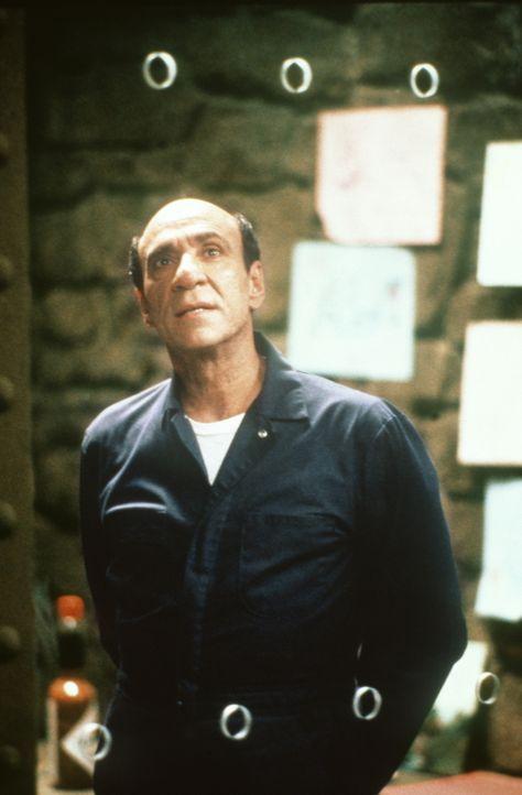 Der geisteskranke, kannibalistische Verbrecher Hannibal Leacher (F. Murray Abraham) bringt die Polizei auf die richtige Spur ... - Bildquelle: Warner Brothers