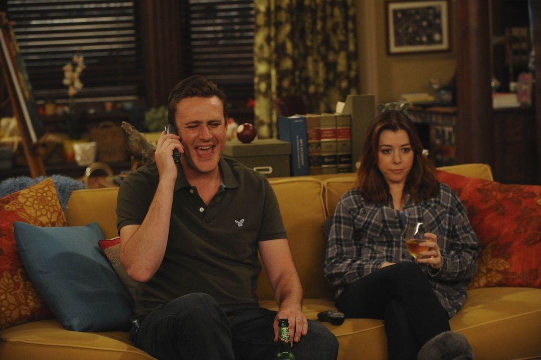 Die Clique erfährt, dass Lilys Schwangerschaftstest positiv ist. Die Tatsache, dass Lily (Alyson Hannigan, r.) nun ein Baby bekommt, lässt daraufh... - Bildquelle: 20th Century Fox International Television