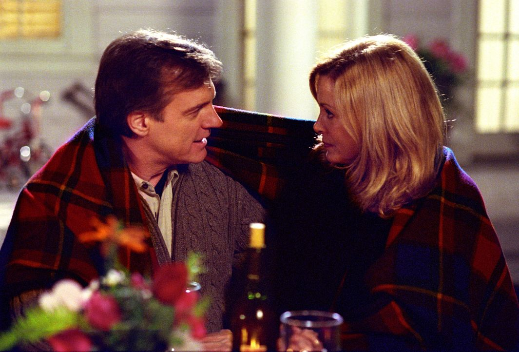 Ein Valentinstag mit Folgen: Annie (Catherine Hicks, r.) und Eric (Stephen Collins, l.) ... - Bildquelle: The WB Television Network