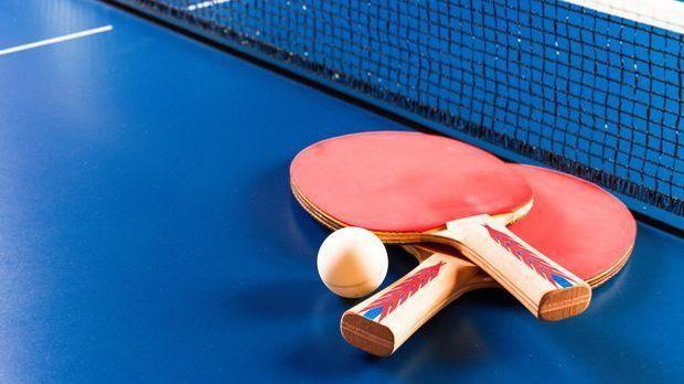 Tischtennis ist sowohl bei Schülern als auch Senioren beliebt.