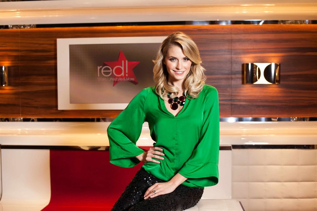 """Im ProSieben-Magazin """"red!"""" präsentiert Lena Gercke Stars und ihren Lifestyle. Die Moderatorin entführt ihre Zuschauer in die Welt der Reichen und... - Bildquelle: Benedikt Müller ProSieben"""