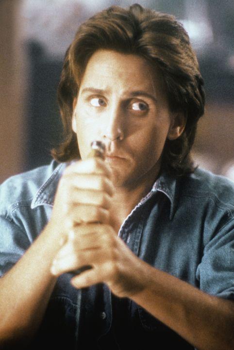 Der gut aussehende Cop Jack Colt (Emilio Estevez) bricht reihenweise die Herzen der Frauen ... - Bildquelle: Warner Brothers