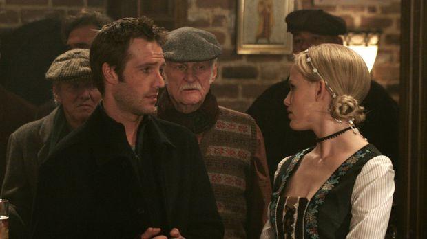 Bei der Suche nach Vaughn (Michael Vartan, l.) stößt Sydney (Jennifer Garner,...