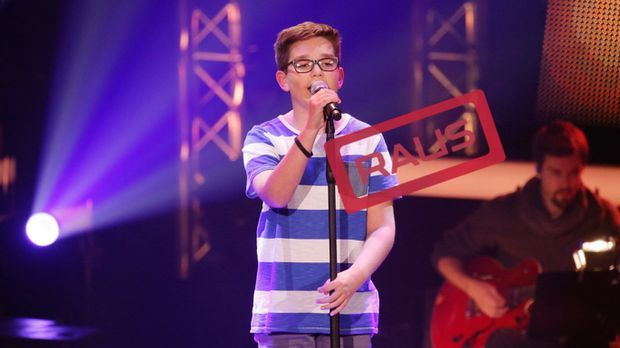 The-Voice-Kids-Stf04-RAUS-Maxime-SAT1-Richard-Huebner