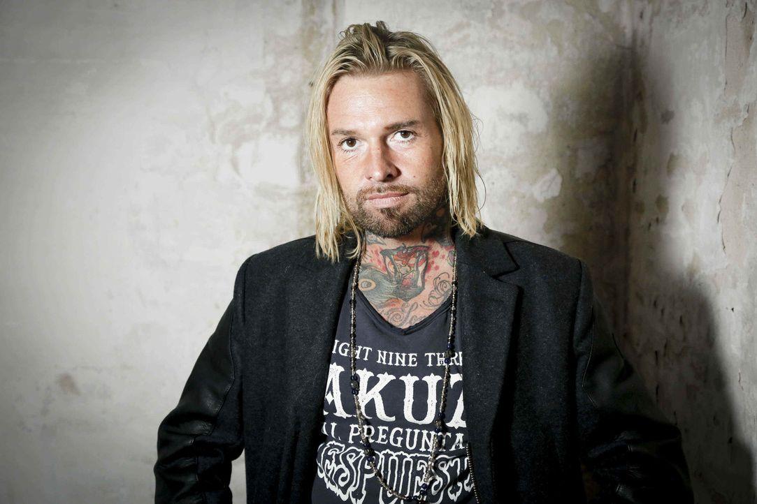 (2. Staffel) - Der Tattoo-Künstler Mick Mark kann so manch einem mit seinem Cover-up wenigstens eine Last nehmen ... - Bildquelle: Richard Hübner sixx