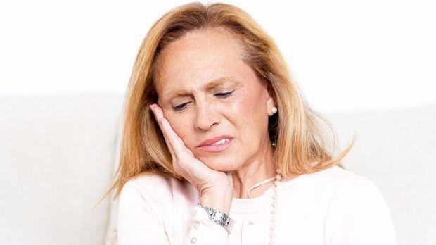 Zahn- und Kopfschmerzen gehen manchmal Hand in Hand.