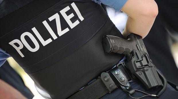 Warum Polizisten zur Waffe greifen