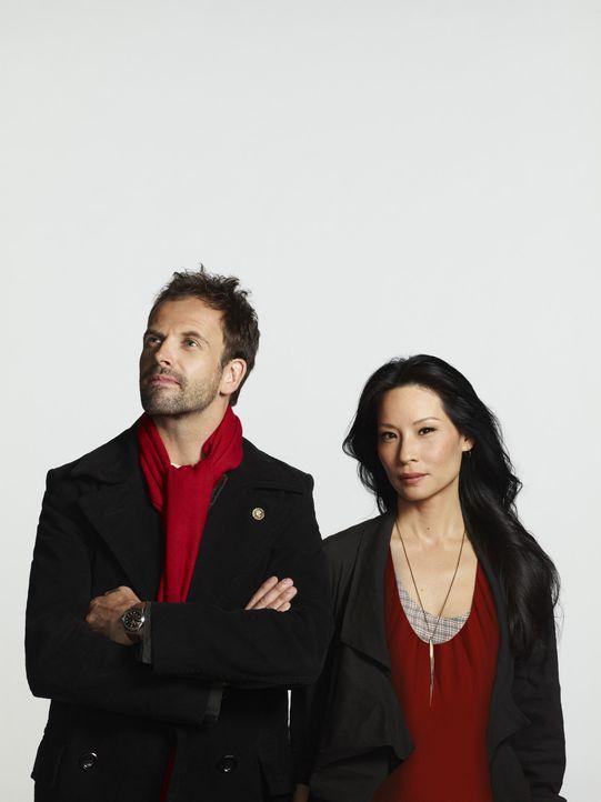 (2. Staffel) - Lösen Kriminalfälle auf höchst eigenwillige Weise: Sherlock Holmes (Jonny Lee Miller, l.) und Joan Watson (Lucy Liu, r.) ... - Bildquelle: CBS Television