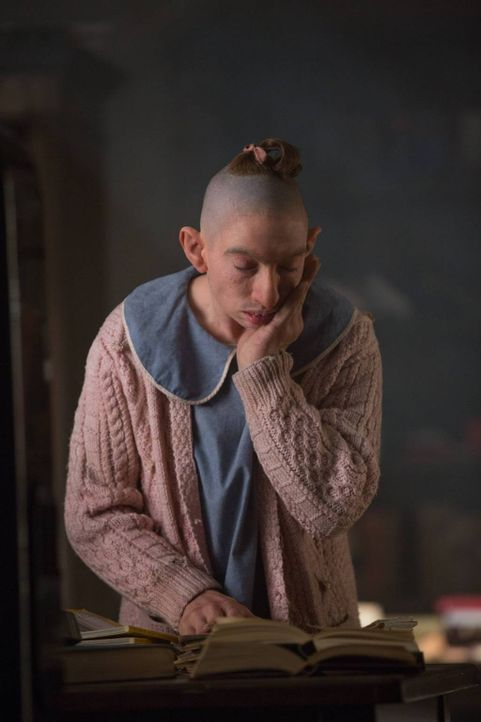 Während sich Pepper (Naomi Grossman) in einem neuen Zuhause einleben muss, erkennt Desiree eine erschreckende Wahrheit ... - Bildquelle: 2014-2015 Fox and its related entities. All rights reserved.