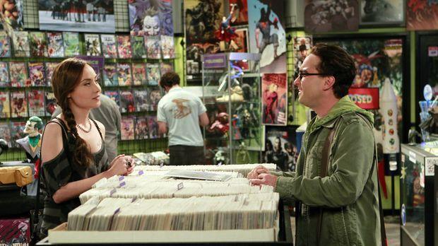 Die süße Comic-Buch Künstlerin Alice (Courtney Ford, l.) stellt die Beziehung...