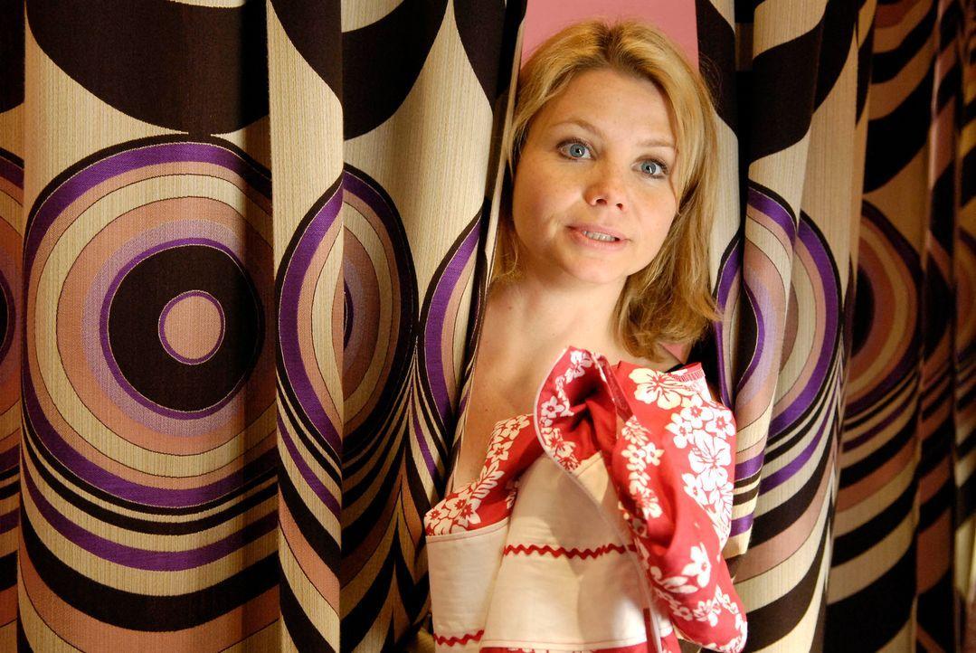 Minza (Annette Frier) hat ein Problem: Seit vier Monaten keinen Sex mehr und ein unverschämter Ex, der auch der Vater der gemeinsam Tochter Sophie i... - Bildquelle: Marco Nagel ProSieben