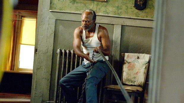 Eines Morgens findet der gläubige Bluessänger Lazarus (Samuel L. Jackson) die...
