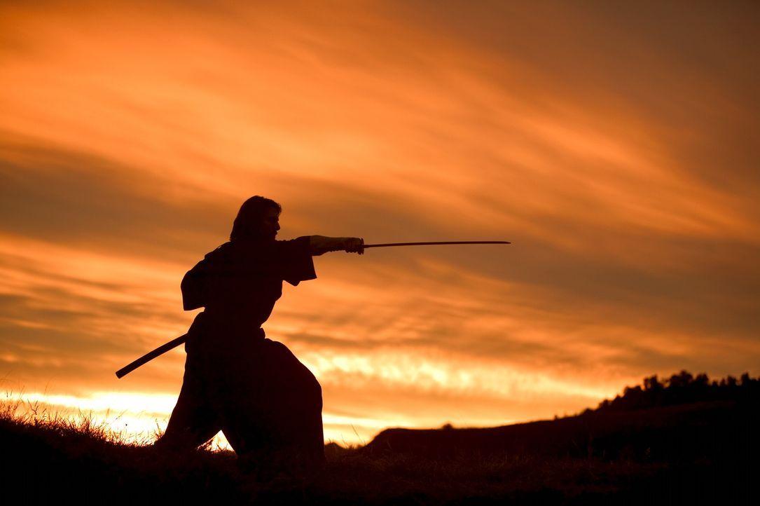 Eigentlich engagiert der junge japanische Kaiser Nathan Algren (Tom Cruise), um in Japan eine moderne Armee von Wehrpflichtigen nach westlichem Vorb... - Bildquelle: Warner Bros.