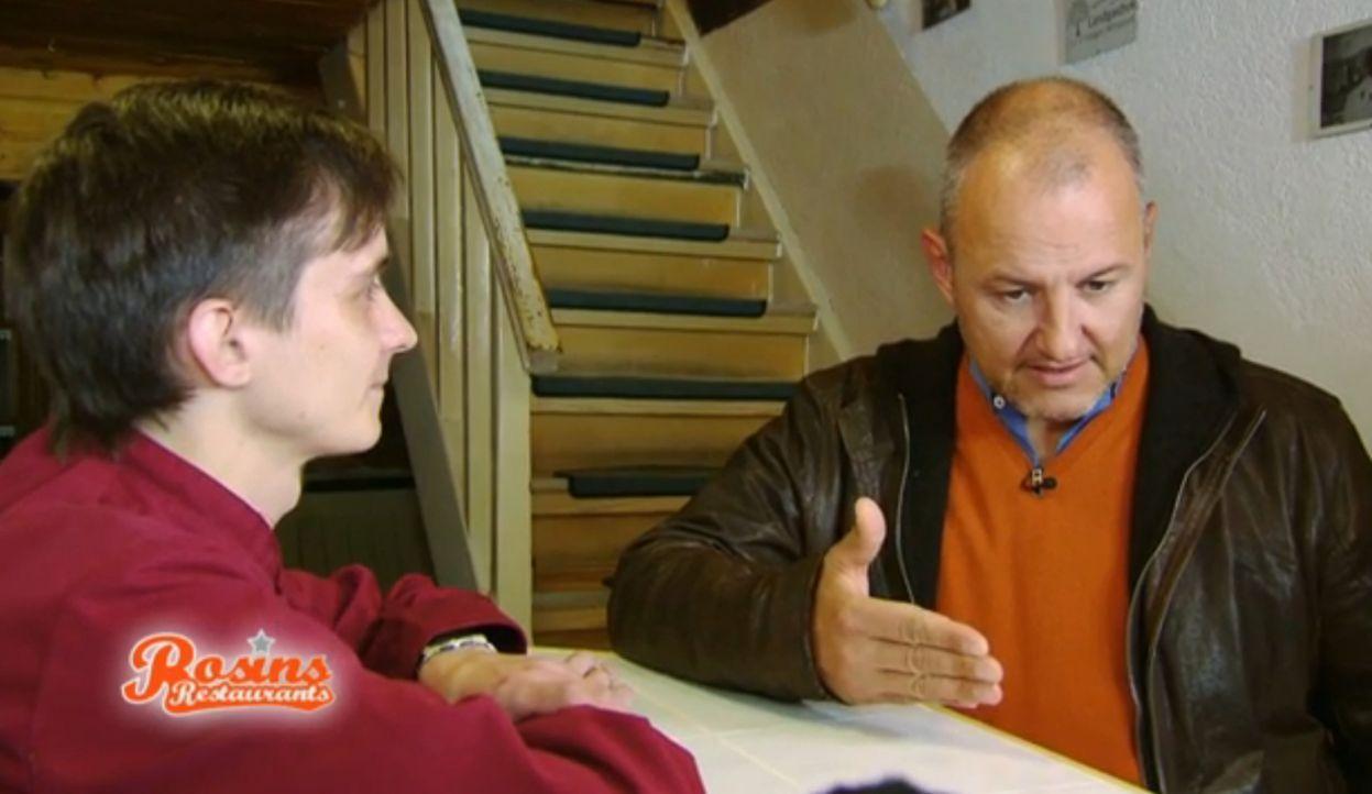 Kann Frank Rosin (r.) dem jungen Rocco (l.) dabei helfen, sein Landhotel zu retten? - Bildquelle: kabel eins