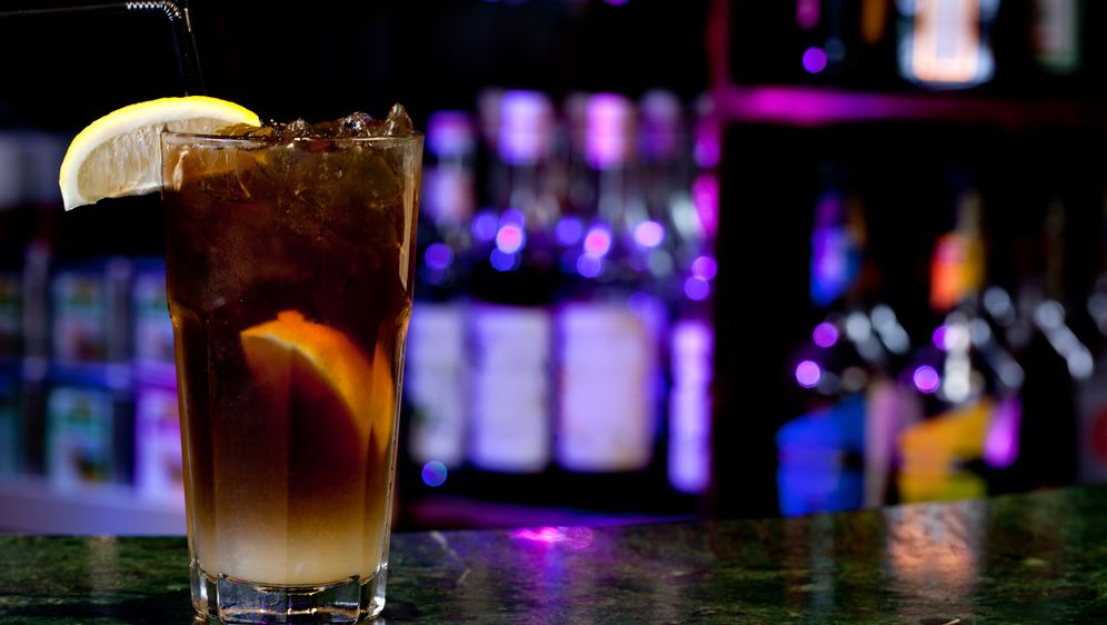 Long Island Iced Tea Cocktail - Bildquelle: Gresei - Fotolia
