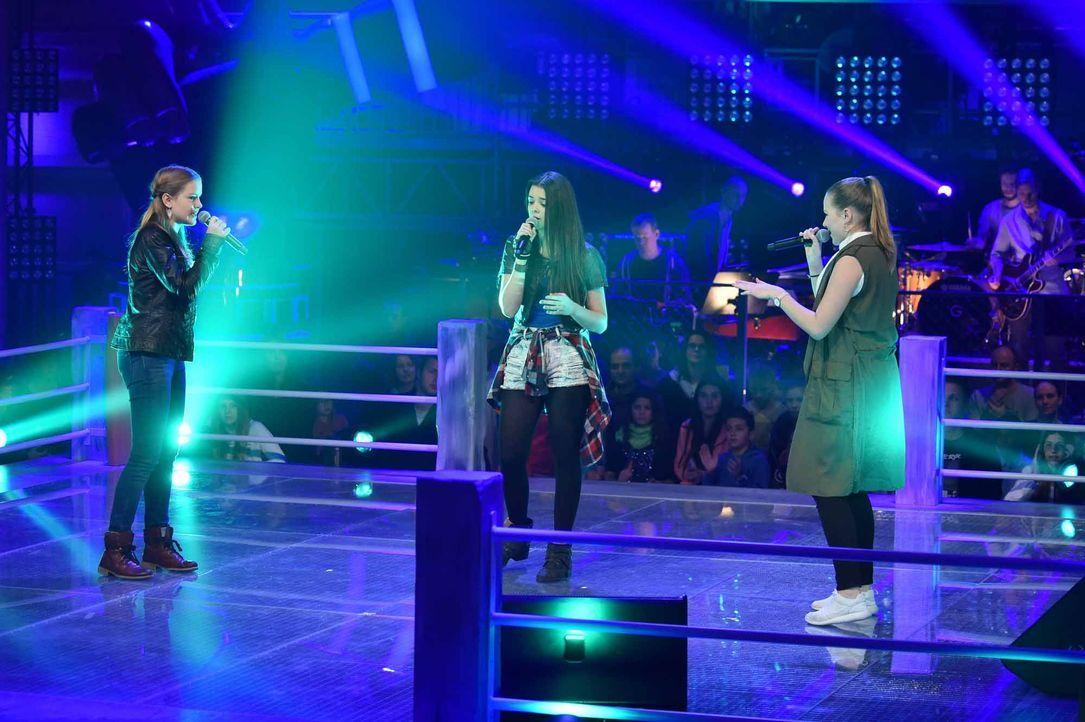 The-Voice-Kids-Stf04-Epi05-Battles-Amely-Emely-Shanice-SAT1-André-Kowalski - Bildquelle: © SAT.1 / André Kowalski
