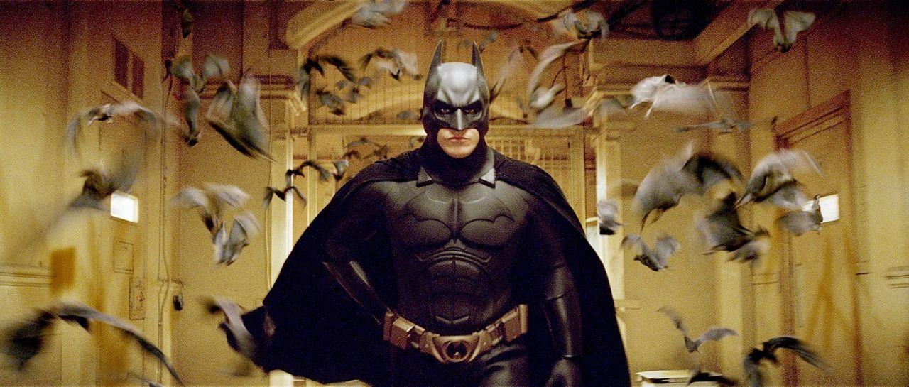 Als kleiner Junge wurde Bruce Wayne (Christian Bale) in einem Brunnenschacht von Fledermäusen angefallen. Seitdem hat er eine unheilbare Angst vor... - Bildquelle: 2005 Warner Brothers