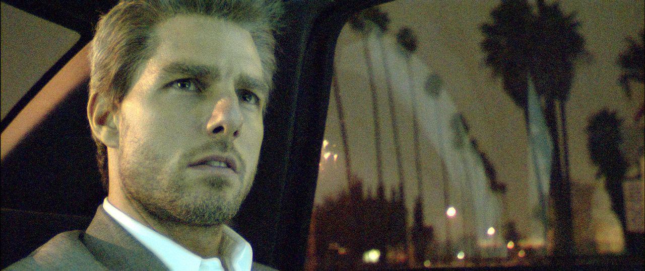 Vincent (Tom Cruise) hat einen mörderischen Auftrag zu erledigen: 5 Kronzeugen, die in einem Prozess gegen die Mafia aussagen, sollen in einer Nacht... - Bildquelle: TM &   Paramount Pictures. All Rights Reserved.