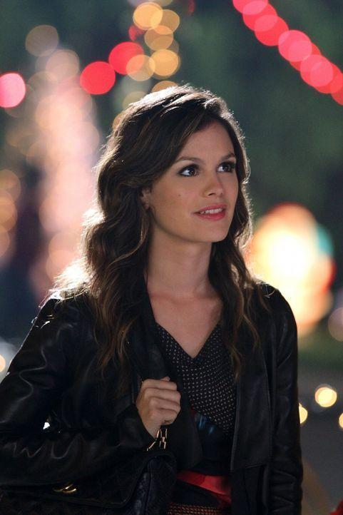 Auch, wenn Zoe (Rachel Bilson) sich immer noch über die eigenartigen Veranstaltungen in Bluebell wundert, gehört sie schon weit mehr in diese Geme... - Bildquelle: Warner Bros.