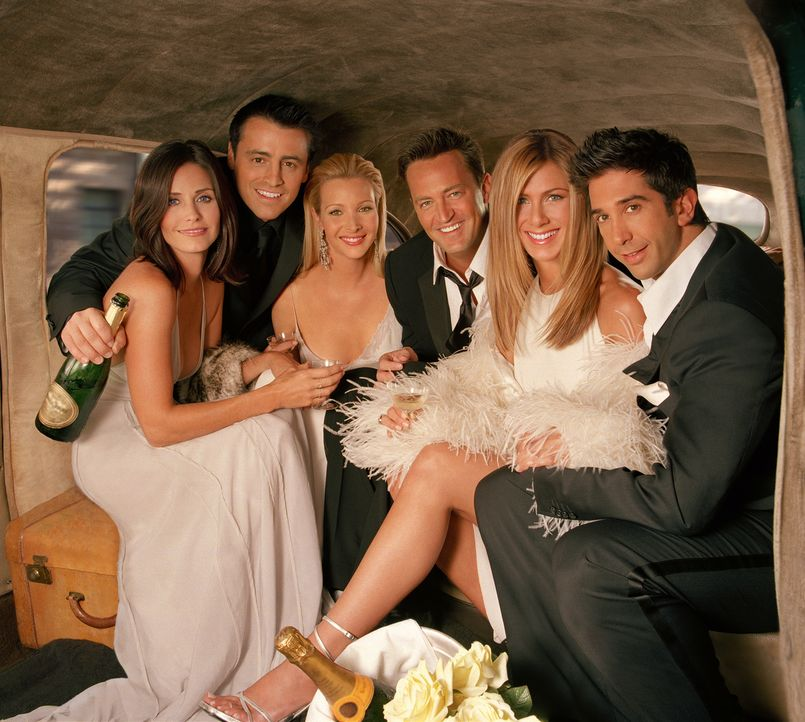 (10. Staffel) - Wahre Freunde: Ross (David Schwimmer, r.), Joey (Matt LeBlanc, 2.v.l.), Phoebe (Lisa Kudrow, 3.v.l.), Monica (Courteney Cox, l.), Ra... - Bildquelle: TM &   2005 Warner Bros. Entertainment Inc.