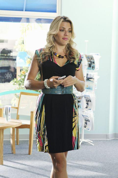 Leidet sehr unter der Trennung von Smith: Laurie (Busy Philipps) ... - Bildquelle: 2010 ABC INC.
