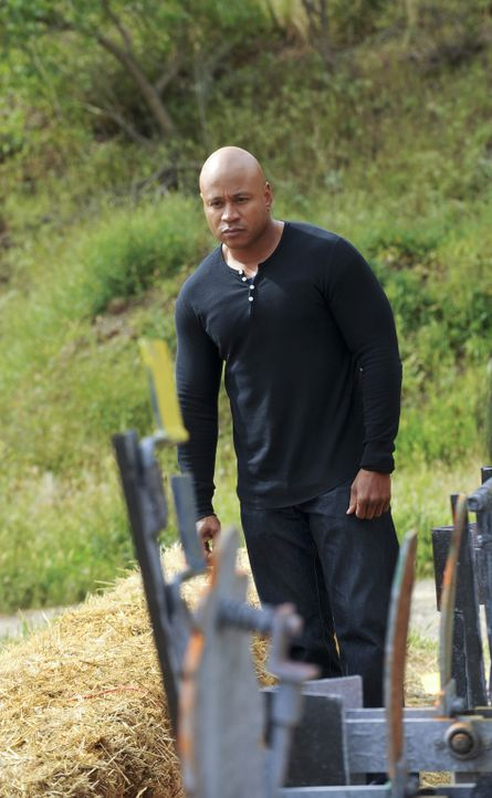 Versucht gemeinsam mit seinen Kollegen einen neuen Fall zu lösen: Sam (LL Cool J) ... - Bildquelle: CBS Studios Inc. All Rights Reserved.