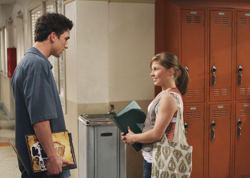 Womanizer Ricky (Daren Kagasoff, l.) hat schon sein nächstes Opfer gefunden: Shawn (Shawn Johnson, r.) - Bildquelle: ABC Family