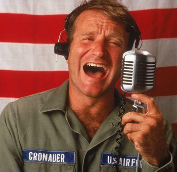 Good Morning, Vietnam - Adrian Cronauer (Robin Williams) kommt 1965 als neuer...
