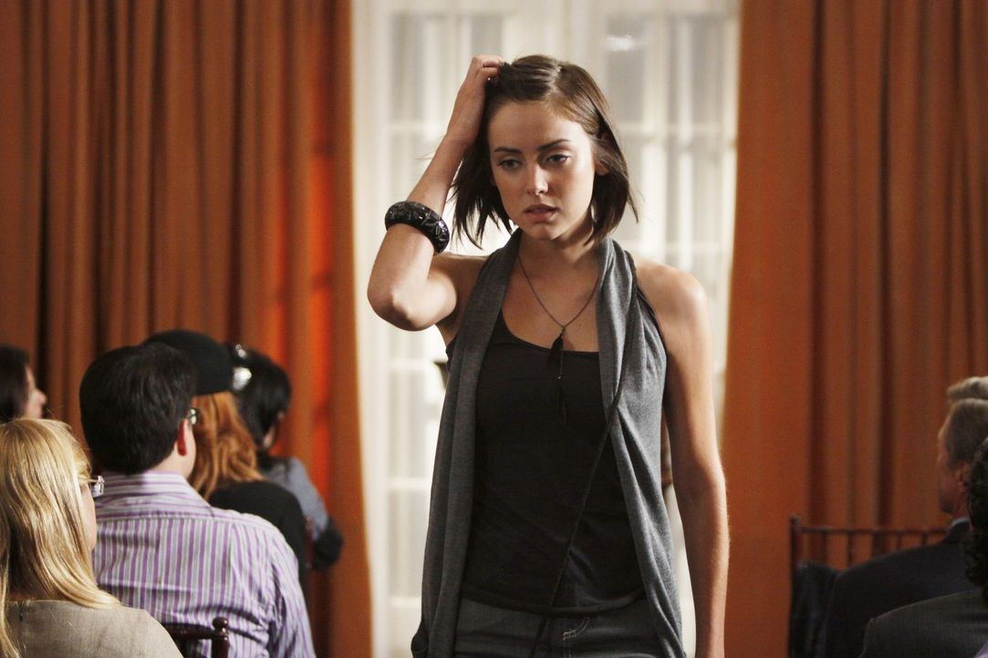 Wird Silver (Jessica Stroup) ihre kleine Rede bereuen? - Bildquelle: TM &   CBS Studios Inc. All Rights Reserved