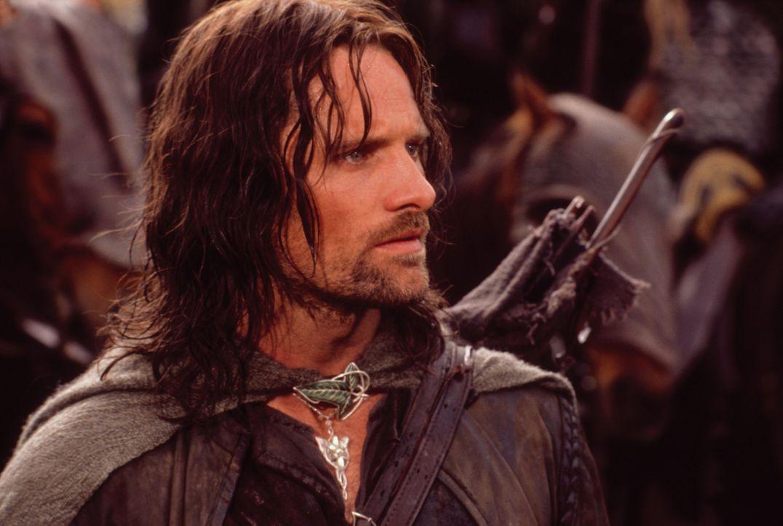 In der Burg Helms Klamm bereitet sich Aragorn (Viggo Mortensen) auf den großen Angriff durch Sarumans Truppen vor ... - Bildquelle: Warner Brothers