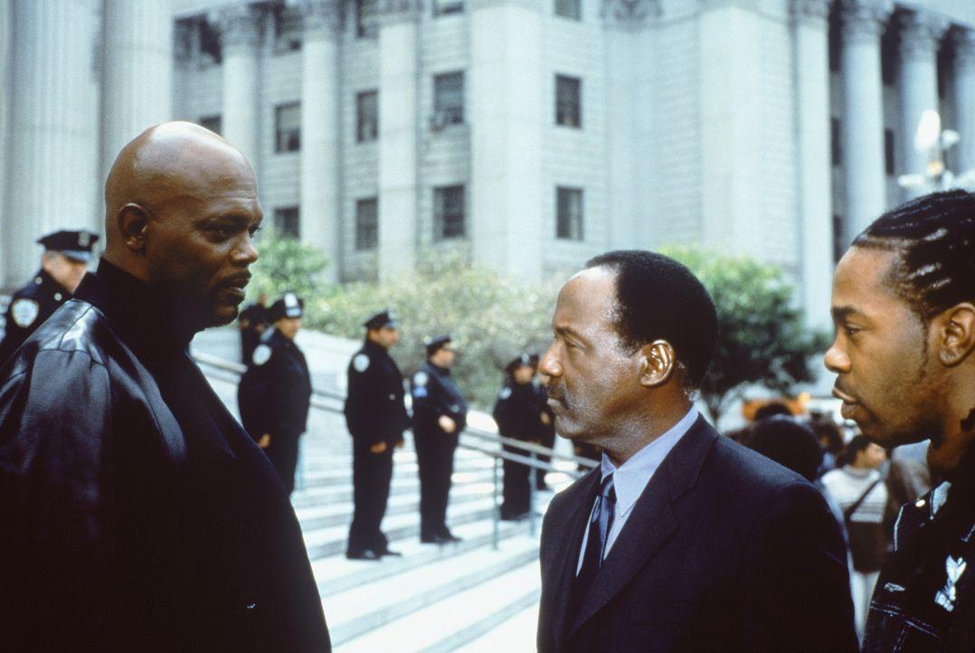 Als der Mörder Wade nach New York zurückkehrt, macht sich John Shaft (Richard Roundtree, M.) daran, seinem Neffen im Wettlauf mit der Zeit beizust... - Bildquelle: Paramount Pictures