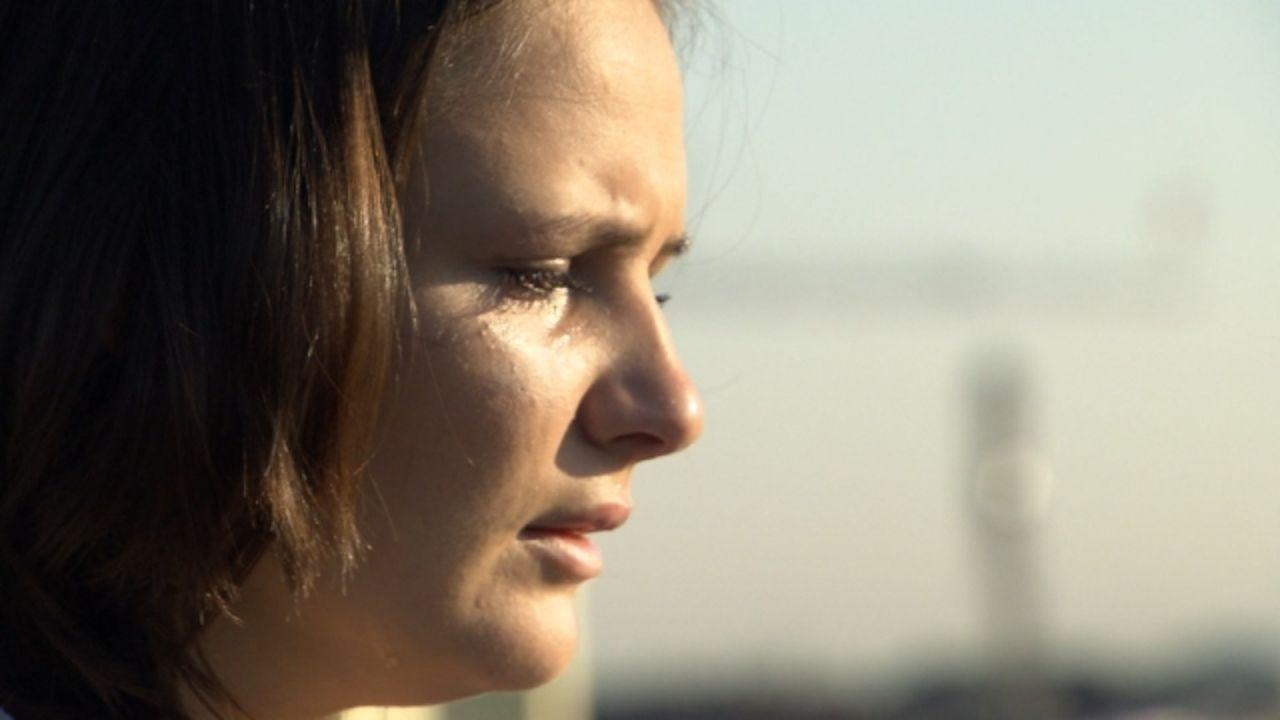 Schulabbrecherin Raffaela Höll ist hochschwanger. Von einem Ex-Junkie, der sie noch dazu wie Dreck behandelt. - Bildquelle: SAT.1