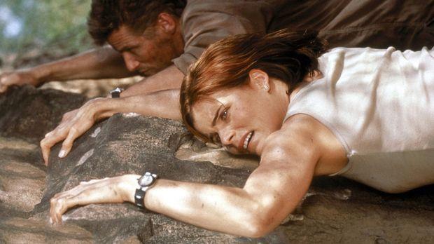Unermüdlich verfolgen Bodyguard Alex (Mariel Hemingway, vorne) und Grant (Dou...