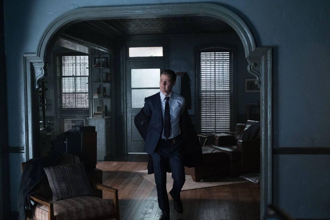 Während Jerome alles versucht, um Bruce zu töten, ist Gordon (Ben McKenzie) gewillt, den Jungen zu retten. Doch wird es ihm gelingen? - Bildquelle: Warner Brothers