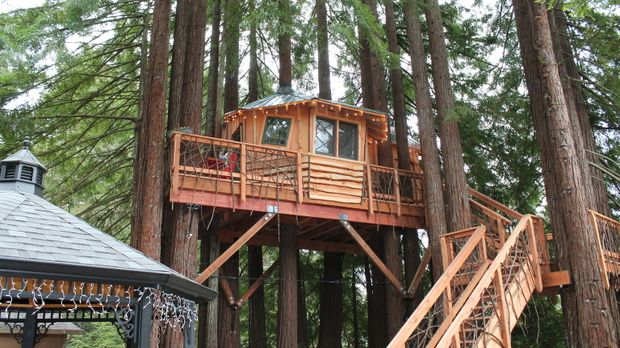 Fort Bragg, eine Kleinstadt in Kalifornien: Die Treehouse Guys verwirklichen...