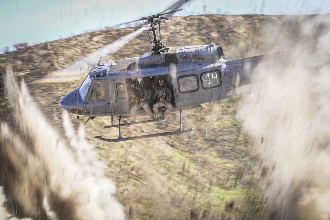 Eine Mission stellt sich als Falle heraus und das Seal-Team gerät in große Gefahr ... - Bildquelle: Erik Voake Erik Voake/CBS   2018 CBS Broadcasting, Inc. All Rights Reserved.