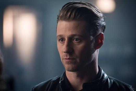 Gordon (Ben McKenzie) ist mittlerweile als Kopfgeldjäger in Gotham City unter...