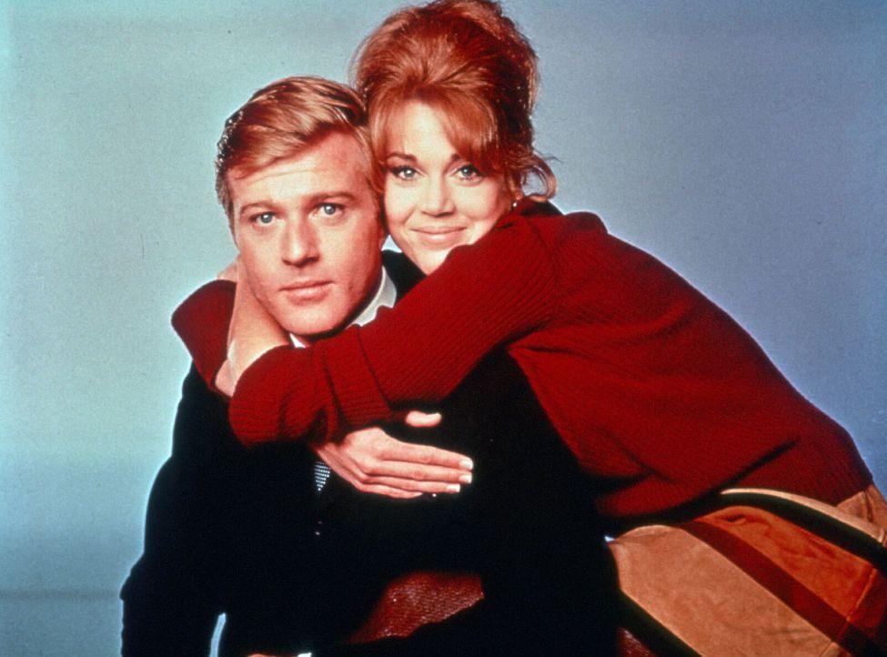 Das frischgebackene Ehepaar Paul (Robert Redford, l.) und Corie (Jane Fonda, r.) hat so manche Probleme zu bestehen ... - Bildquelle: TM, ® &   (2003) by Paramount Pictures. All Rights Reserved.