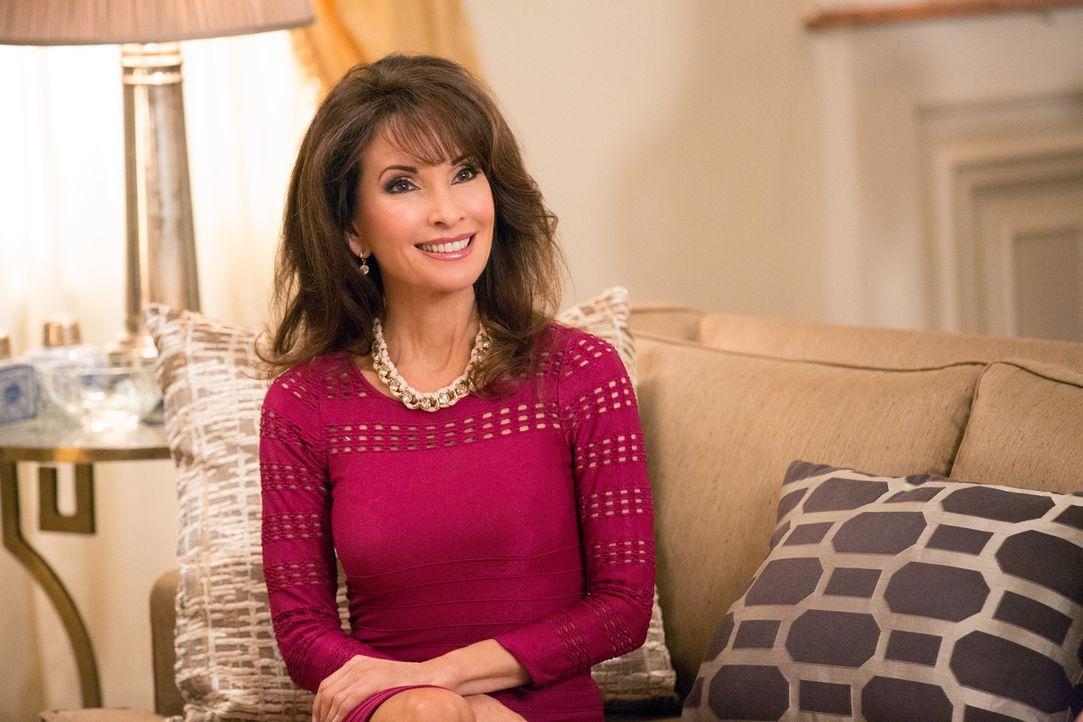 Bei einem Lunch von Genevieve (Susan Lucci) werden neue Intrigen gestrickt, Geheimnisse ausgekundschaftet und Freundschaften geschlossen ... - Bildquelle: 2014 ABC Studios