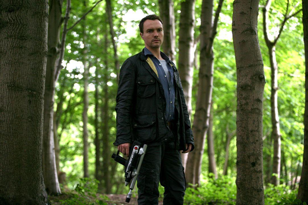 Werden zu einer ungewöhnlichen Anomalie geschickt: Matt (Ciaran McMenamin), Abby und Connor ... - Bildquelle: ITV Plc