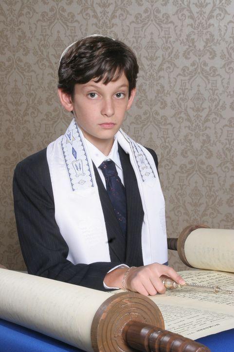 Rückblende: Seth (Nicklaus Koeppen) bei seiner Bar Mitzvah ... - Bildquelle: Warner Bros. Television