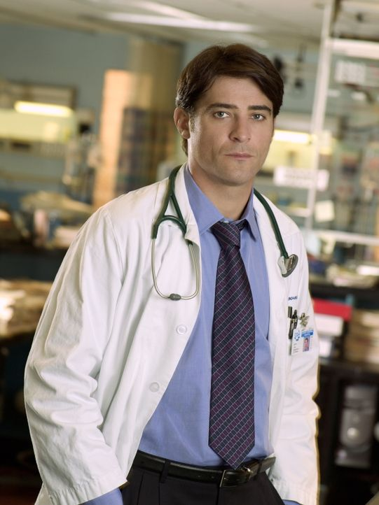 (13. Staffel) - Sekundenschnell muss Dr. Luka Kovac (Goran Visnjic) Entscheidungen über Leben und Tod treffen ... - Bildquelle: Warner Bros. Television